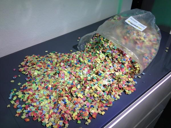 Eurolite Konfetti, bunt, 7mm 0,5kg